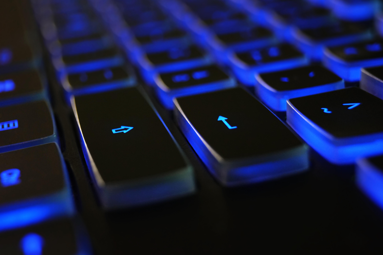 black-blue-computer-keyboard-1194713 (1)